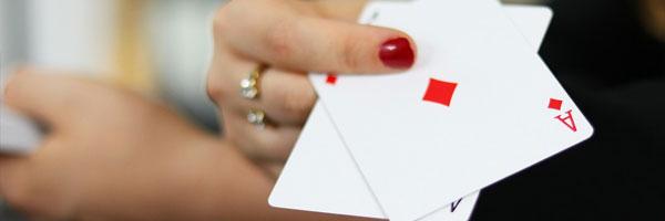 6 kasinokorttipeliä jotka käyttävät tekniikan ihmeitä Texas Hold 'Em - 6 kasinokorttipeliä, jotka käyttävät tekniikan ihmeitä
